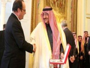 Fransa'yı Karıştıran Olay: Suudi Prens'e Onur Nişanı Verildi