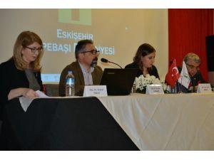 Tepebaşı'nda 'Türkiye'de Kadın Haklarının Gelişimi' Söyleşisi