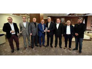 """Başkan Karaosmanoğlu, """"Makamların Gerçek Sahibi Millettir"""""""