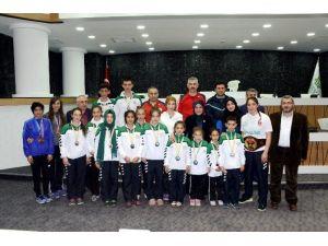 Başkan Toru Başarılı Sporcuları Ödüllendirdi