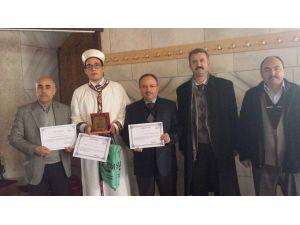 """Afyonkarahisar'da Düzenlenen """"Genç Hatipler Hutbede"""" Yarışmasının Birincisi Bolvadin'den Çıktı"""