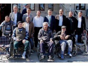 Iğdır'da Engellilere Tekerlekli Sandalye Dağıtımı