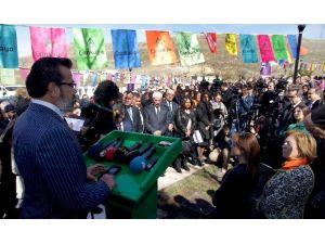 Özgecan Aslan Parkı Ve Anıt Heykeli Açıldı