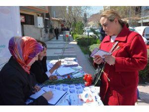 Yunusemre Belediyesi Kadınların Sesine Kulak Verdi