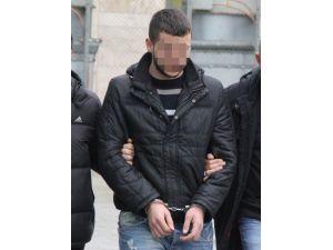 Polisi Görüp Kaçınca Uyuşturucuyla Yakalandı