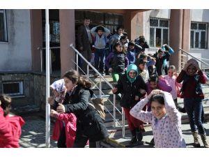 Muş'ta Gerçeği Aratmayan Deprem Tatbikatı
