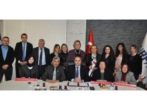 Burfaş'tan Kadın Meclisi Üyelerine Sosyal Kart