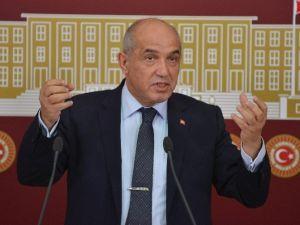 Acun Ilıcalı'nın Milletvekili Amcasından Survıvor Teklifi