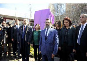 Özgecan Aslan Parkı, CHP'li vekillerin katılımıyla açıldı