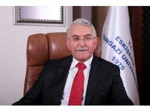 Eskişehir Osmangazi Üniversitesi Rektörü Prof. Dr. Hasan Gönen Kadınlar Günü'nü Kutladı