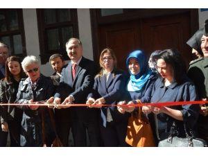 Kadın Çalışmaları Uygulama Merkezi Açıldı