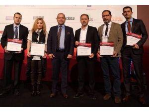 Forum Bornova AVM'ye Hizmet Kalitesi Ödülü