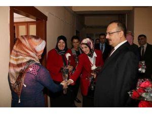 Hakkari'de 8 Mart Dünya Kadınlar Günü Kutlamaları