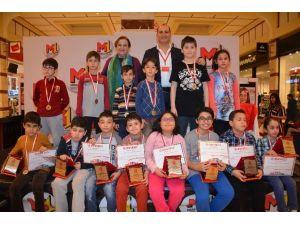 Burs Ödüllü Satranç Turnuvası