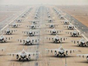Güney Kore'den 100'e Yakın Savaş Uçağıyla Gövde Gösterisi