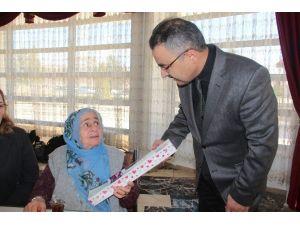 Elazığ Gazi Huzurevi'nde Dünya Kadınlar Günü Kutlandı
