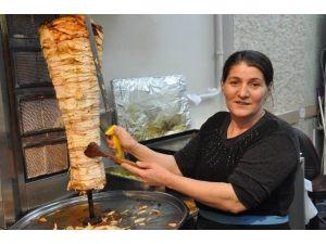 Sivas'ta Dönere Kadın Eli Değdi