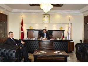 Ereğli Belediye Başkanı Hüseyin Uysal Rektör Özer'i Ziyaret Etti