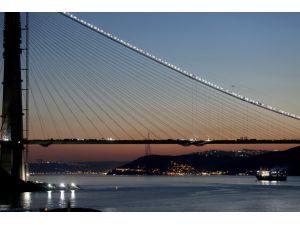 Üçüncü Köprü'de Güneş'in yolculuğu nefes kesti