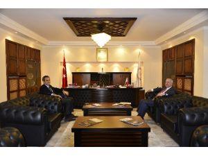Başkan Akdemir'den Rektör Özer'e Ziyaret