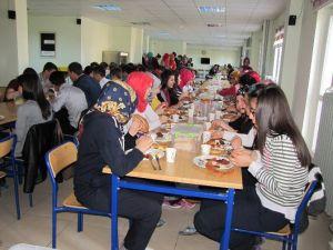 YGS'ye Hazırlanan Öğrencilere Moral Kahvaltısı