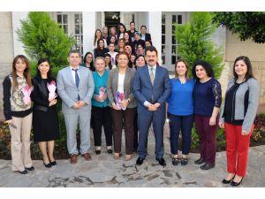 Adana Adliyesinde 'Kadınlar Günü' kutlaması