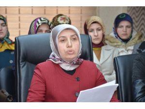 """AK Parti Bilecik Kadın Kolları Başkanı Namal'ın """"8 Mart Dünya Kadınlar Günü"""" Mesajı"""
