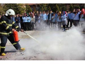 Ortaköy'de Lise Öğrencilerine Yangın Tatbikatı