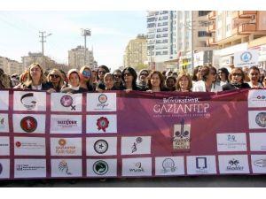 Kadınlar Kortejde Buluştu