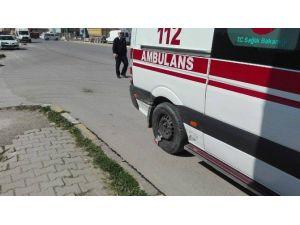 Göreve Giden Ambulans Kaza Yaptı