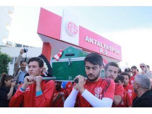 Antalyasporlu Eski Futbolcu Mehmet Özkul Toprağa Verildi