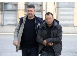 Karısını Elinden Bıçakla Yaralayan Koca Tutuklandı
