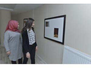"""KMÜ'de """"Erkeklik İstisnai Bir Durumdur"""" Fotoğraf Sergisi"""