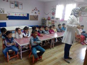 Minik Öğrenciler Sağlık Taramasından Geçti