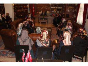 Kuran Kursu Öğreticisi Kadınlardan Belediye Başkanı Ünver'e Ziyaret