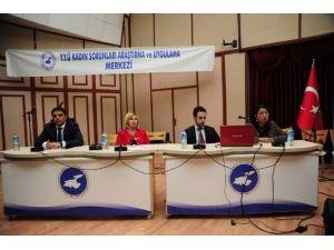 """YYÜ'de """"Toplumsal Cinsiyet Ve İstihdam"""" Paneli"""