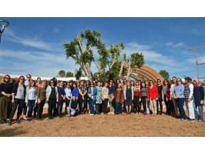 EXPO 2016'nın Kadın Çalışanları Benjamin Ağacı Dikti