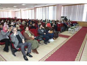 'Değişen Sosyal Yapıda Kadın' Başlıklı Panel Düzenlendi
