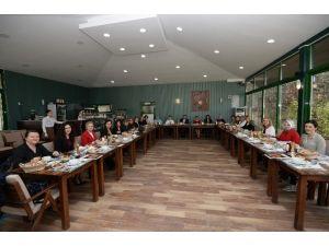 Osmangazili Kadınlar Yemekte Buluştu
