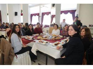 İl Özel İdaresi Genel Sekreteri Ayhan, Kadın Personelle Buluştu