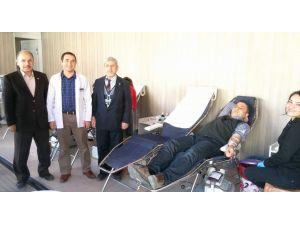 'Kızılay Kan Bağışı' kampanyasında 900 ünite kan toplandı