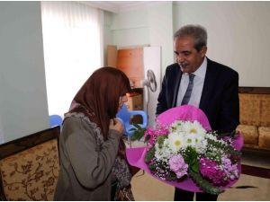Demirkol, Yılın Kadınını Evinde Ziyaret Etti