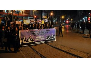 Kadınlardan Meşaleli Yürüyüş