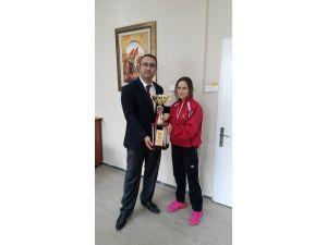 Mudanya Metem Lisesi Şampiyonunu Ağırladı
