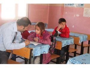 Milli Eğitim Müdüründen Köy Okullarına Ziyaret