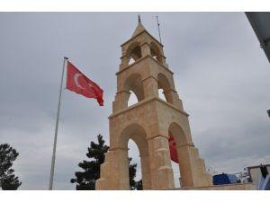 Çanakkale'de Şehit Veren Okullardan 90 Öğrenci Ve 9 Öğretmene Şehitlik Ziyareti