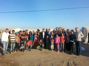 CHP Gençlik Kollarından çadırda kalan çocuklara yardım