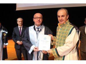 Niğde Üniversitesinde Cübbe Giyme Töreni Yapıldı