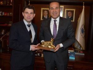 Yeni Zelanda Büyükelçi Vekili Mcısaac Adana'da