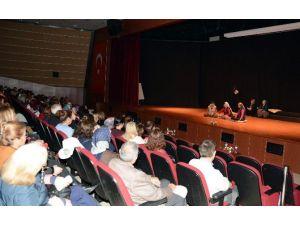 Kadınlardan Kadınlara Özel Tiyatro Gösterisi